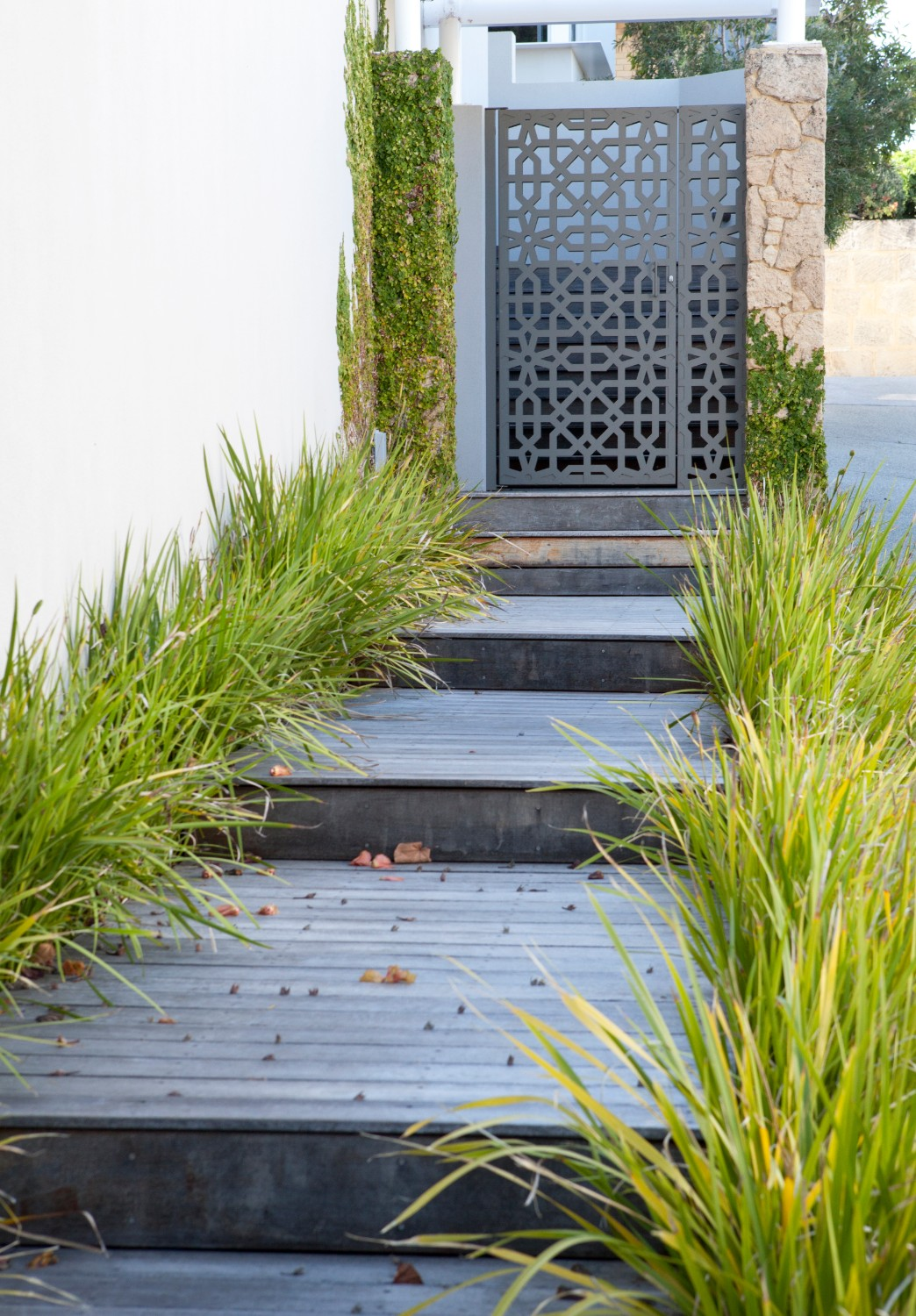steps to front entrance to garden